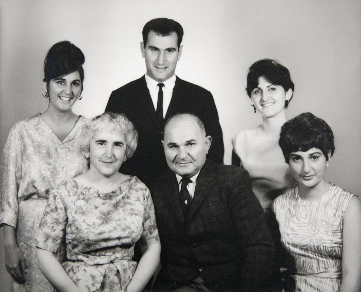 sarkisian-family_1